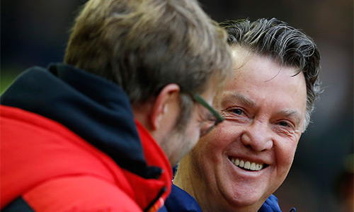 Van Gaal vẫn nhận được sự tín nhiệm cao từ đồng nghiệp, bất chấp bão chỉ trích mà ông và Man Utd hứng chịu mới đây. Ảnh: Reuters.