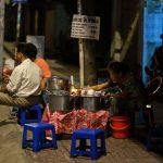 Có một quán chè tại Hồ Chí Minh 40 năm nay chỉ thắp đèn dầu