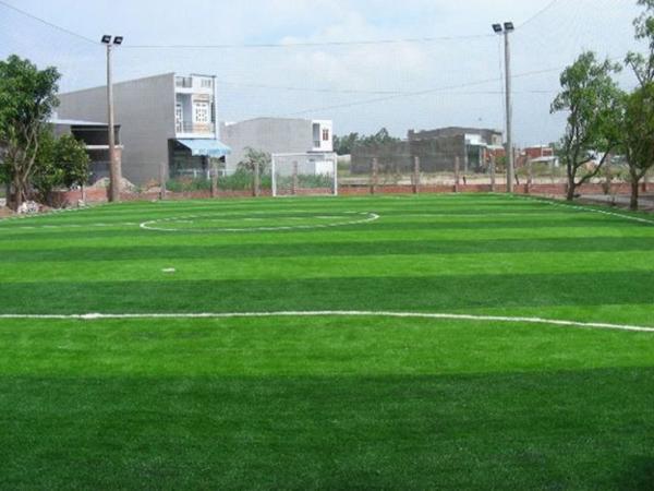 Sân Thành Thái luôn sở hữu mặt sân chất lượng tốt, cỏ êm.