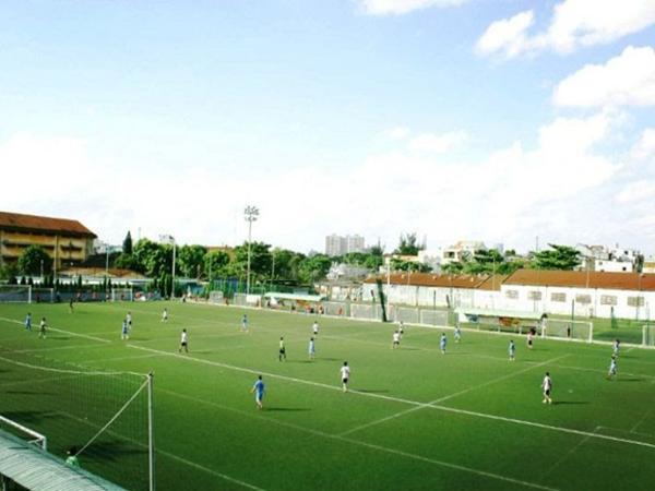 Sân bóng cỏ nhân tạo MobiSport ở quận 10.