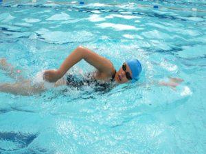 Hướng dẫn kỹ thuật bơi Sải cơ bản đúng cách hiệu quả